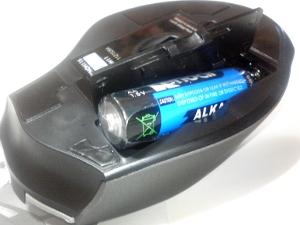 単三乾電池を挿入する場所 画像
